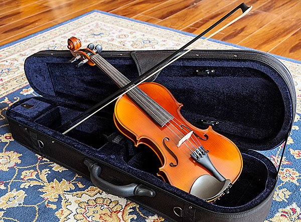 A sample Top Notch rental violin in its included case