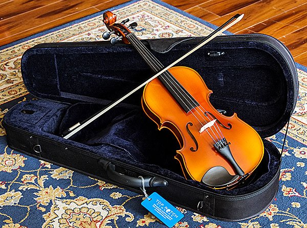 Photo of a Top Notch rental viola, bow, and case that is ready to go